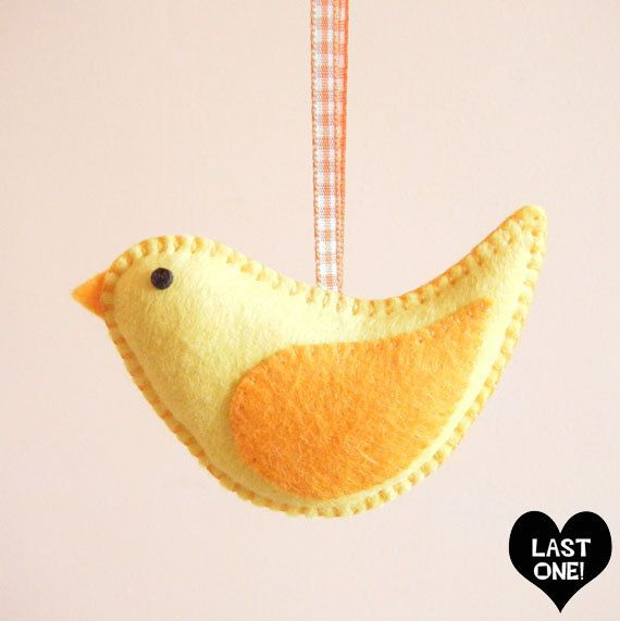 Hey, I found this really awesome Etsy listing at http://www.etsy.com/listing/127509171/yellow-felt-easter-chick-hanging