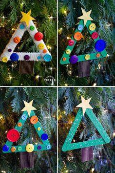 Basteln mit Eisstielen und Knöpfen - Christbaumschmuck in Form von Tannenbäumen
