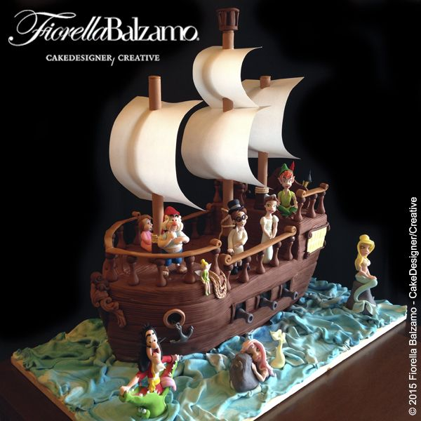 Nautical Peter Pan cake by Satin Ice Artist of Excellence Fiorella Balzamo in the Sail Away Showcase | Satin Ice