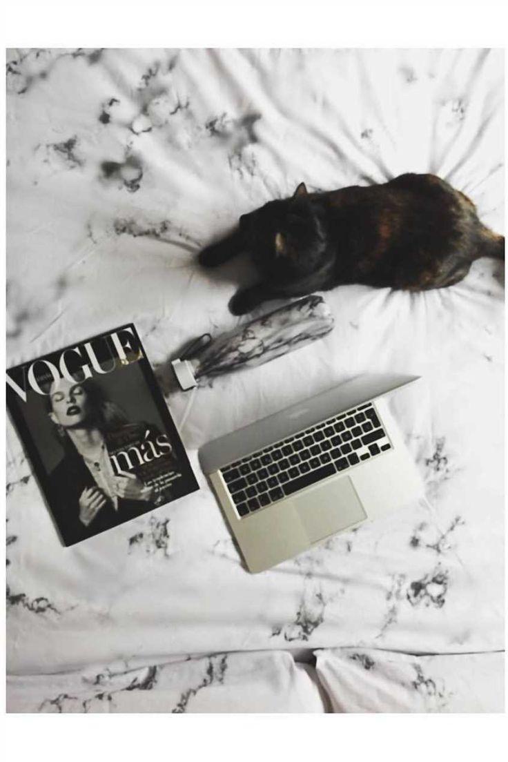#sunday #sundaymood #sundayfunday #funday #betterthanamonday #youretheworst #blackandwhite #black #white #whitegram #cat #instacat #vogue #primark #marble #marmol #marbleobsessed #fashion #moda #design #diseño #madrid #persianprincess #persianstyle #persian #primania