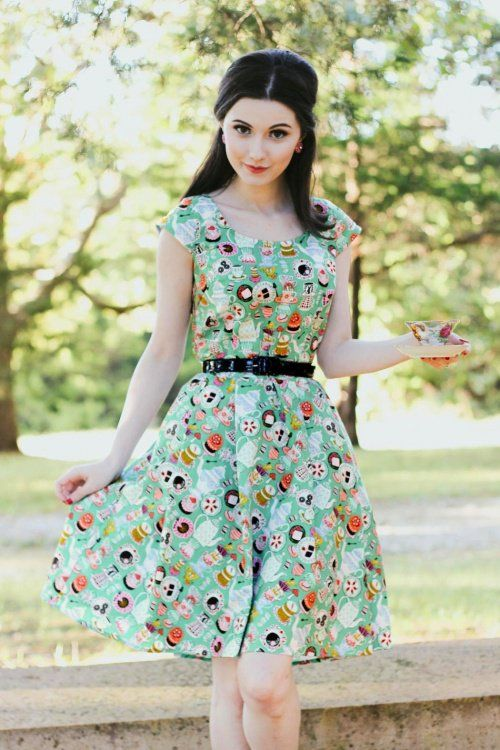 Retrolicious 50s Mad Tea Party Dress in Green