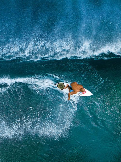 surfsouthafrica: Kelly Slater watched over from above. Photo: John Respondek