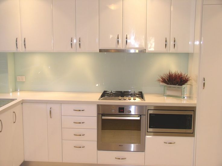 Glass splashback love this light mint colour the best!!