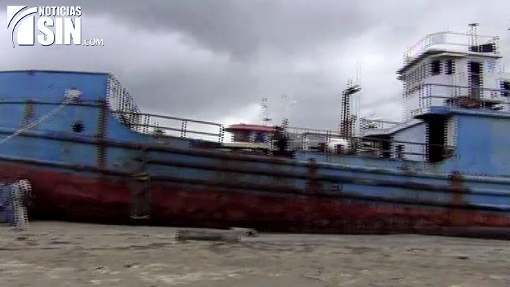 Denuncian contaminación en Bahía de Manzanillo por desmantelamiento de barcos abandonados