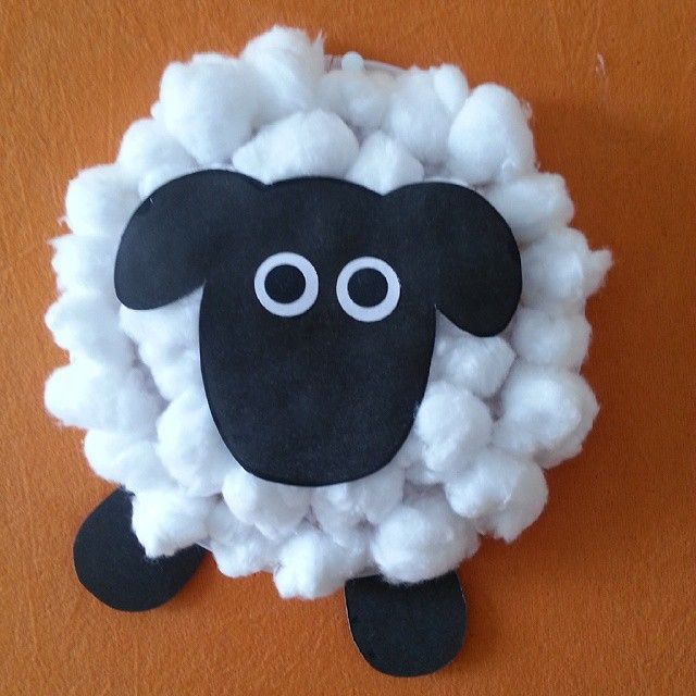 Cotton Ball Sheep Craft. After reading about farming. Don't forget a farm field trip too. ;)