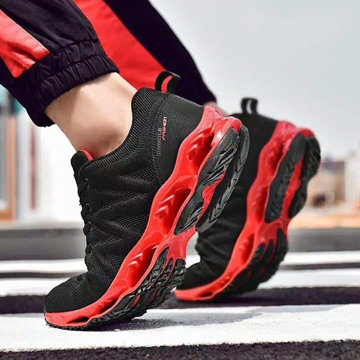 Sepatu Pria Olahraga Non Slip Bahan Mesh Warna Merah Hitam Merah