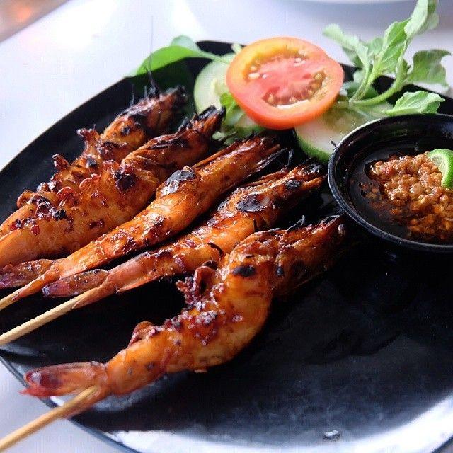 Sate udang  #satay #prawn #shrimp #bali #baliisland #balifood #deliciousbali #denpasar #instaphoto #instafood #vscofood #yummy #seafood #indonesia