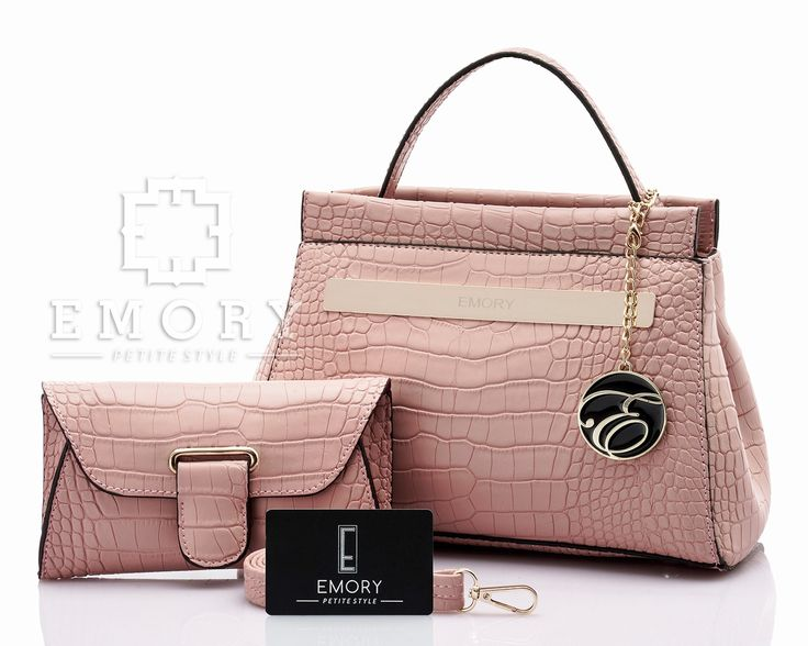 Price IDR 330.000 Measurement Bag 28x19 cm. Pouch 19x11 cm. Weight 0.713 kg. ORIGINAL BRAND.  Chat us on Line : @ emorystyle