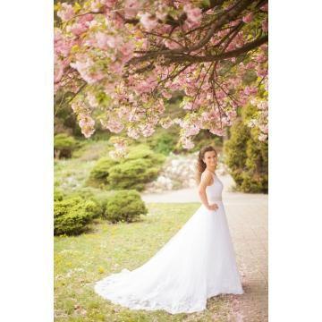 Ontwerpen Ongebruikelijke trouwjurken in tule met parel borduurwerk
