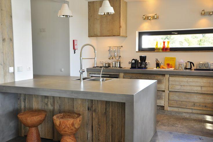 #kitchen #concrete #industrial #cement