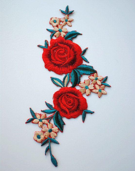 Red geborduurde bloem stoffen Patch Vintage bloemen door DIYsharing