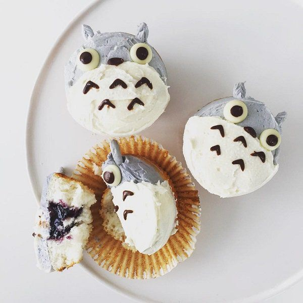 For muffins you just need a little imagination and it will be decorated on the most beautiful possible ways.