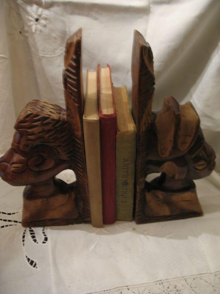 Vintage serre livre en bois sculpté art africain de la boutique NorDass sur Etsy