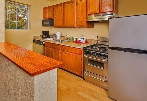 Towneplace Suites by Marriott Falls Church, Falls Church, In-Room Kitchen