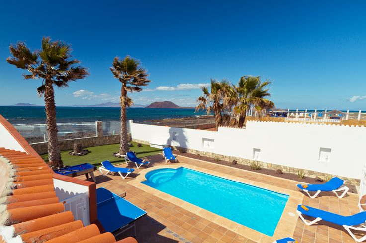 Seafront views of Lobos Island and Lanzarote at Villa Lobos!  Check out out here: http://www.villaplus.com/fuerteventura/villas/corralejo/villa-lobos