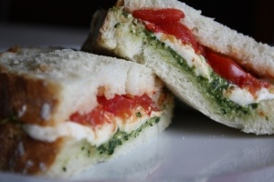 toasted-caprese-sandwich: Roasted Tomatoes, Food Porn, Caprese Salad, Yummy Things, Toast Caprese Sandwiches, Slow Roasted, Toast Capr Sandwiches, Serious Yum Ag, Toasted Caprese Sandwiches