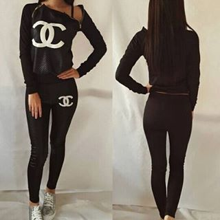 Pin by Lara Veronica on Deporte workout clothes | Chanel ...