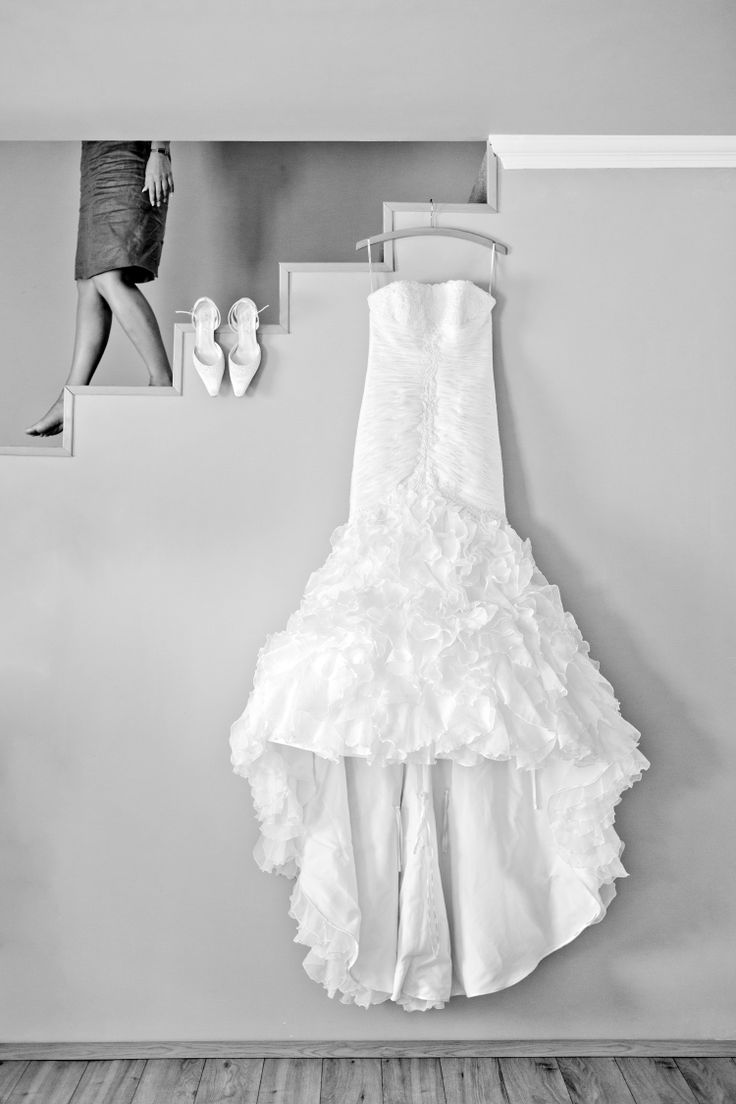 One of my favourite getting ready shot. This wedding dress is awesome! www.peterhermanphotography.com