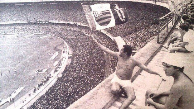 Flamengo fans in Maracanã stadium, 1960s. Attendance: ~ 200.000