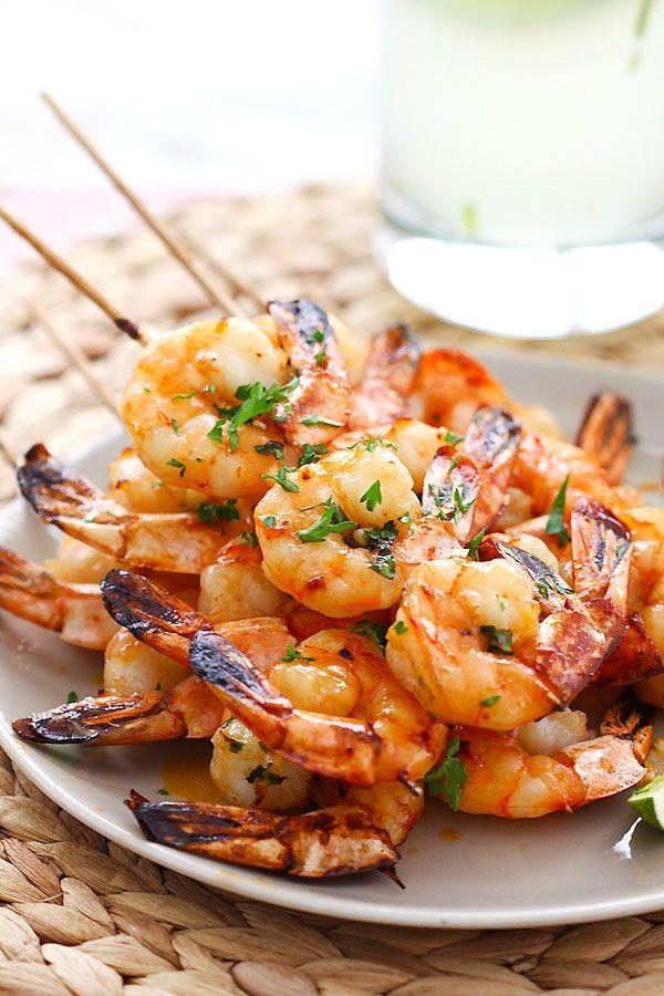 Honey Sriracha Shrimp Kebab - crazy delicious shrimp kebab with honey Sriracha butter. Thread shrimp on skewers and grill, so easy!! | rasamalaysia.com