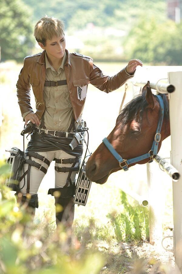 進撃の巨人、ジャン・キルシュタインと馬のコスプレ | A!@Atsuhiko Hori Takahashi  (via http://attrip.jp/110860/ )