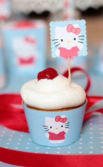 Hello Kitty Cupcake ~ free printables by Postreadicción (link)    A little bit of hello kitty