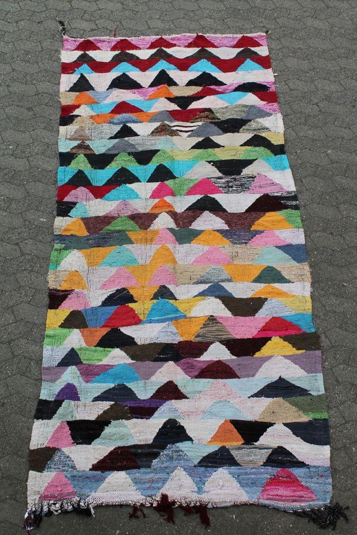 Kelimtæpper fra Tyrkiet i smukke farvekombinationer. Ikke et eneste af tæpperne er ens. Vælg imellem traditionelle eller moderne designs.