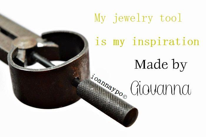 i am in my #jewelrystudio and i work with #wax for my first #jewelrycollection  #madebygiovanna #ioannaypo #minimaljewelry #minimaljewellery #minimalisticjewelry #jewelrybrand #jewelrydesigners #jewelryphotography #jewelryshop #jewelrylove #jewelrymaking #jewelryblogger #jewelrymakers #jewelrystyle #waxcarving #jewelrydesigns #handcraftedjewelry #jewelrytools #jewelrybusiness #gioielliartigianali #contemporaryjewelry #contemporaryjewellery #klimt02 #jckmagazine #jdplshare