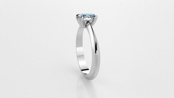 Solitaire ring with GIA-certificated Oval Cut Diamond in Platinum