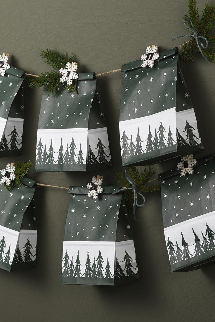 Calendar bags for christmas www.panduro.com Christmas Decor by Panduro #christmas #decoration #DIY #ornaments #christmascalendar #advent  #julkalender #kalender #paketkalender #adventkalender #adventskalender #jul #countdown #kalenderpåsar #Scandinavian