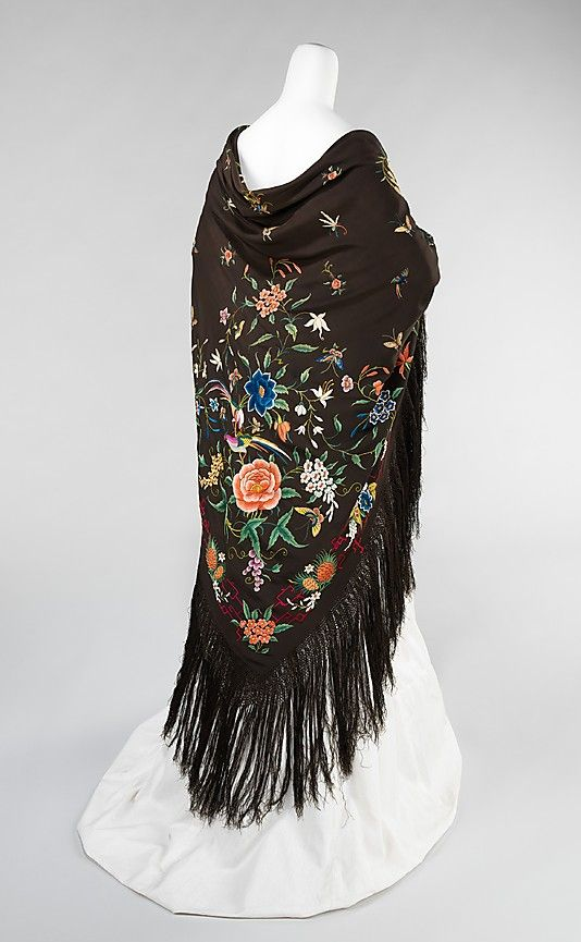 Shawl. Chinese embroidery. 1885-1910. From the Metropolitan Museum of Art's collections. Museum No. 2009.300.3320