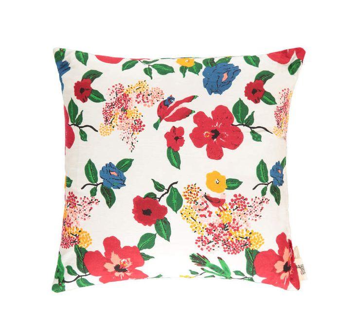 Un coussin pour Laurent Voulzy (Le pouvoir des fleurs)   Photo deco, Deco, Décoration intérieure