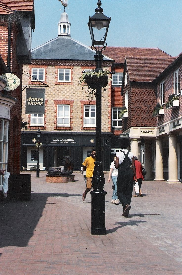 JW UK LTD's Vico Lantern at Farnham Town Centre