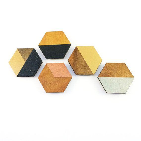Geometrische Design-Sechskant-Form-Magnete. 5 in einem Pack hand in hochwertigem Metallic lackiert.