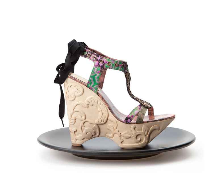 Desigual Encina Shoes by L Baroque sparkles in the Desigual spirit and is alternated with more historical and ceremonial helpings, appealing to a more classic, sophisticated woman.