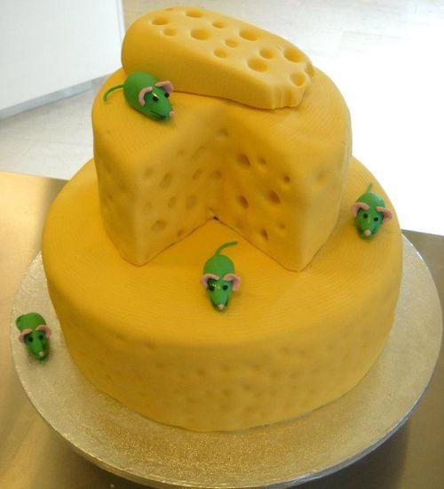 Πρωτότυπα κέικ, μπισκότα, τούρτες, ζαχαρωτά! Τούρτα με θέμα το τυρί και τα ποντικάκια by Κυβέλη.