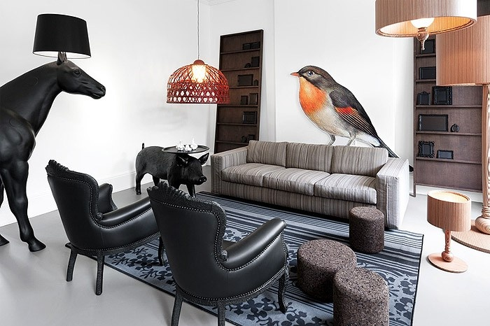 Emperor small lamp by Moooi, like the bird too!! (and the XXL horse lamp)
