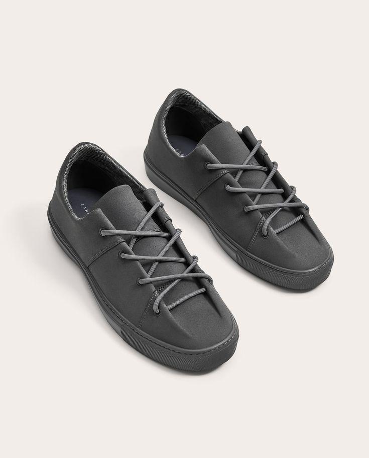 Yazlık Erkek Ayakkabılarında İndirim | ZARA Türkiye