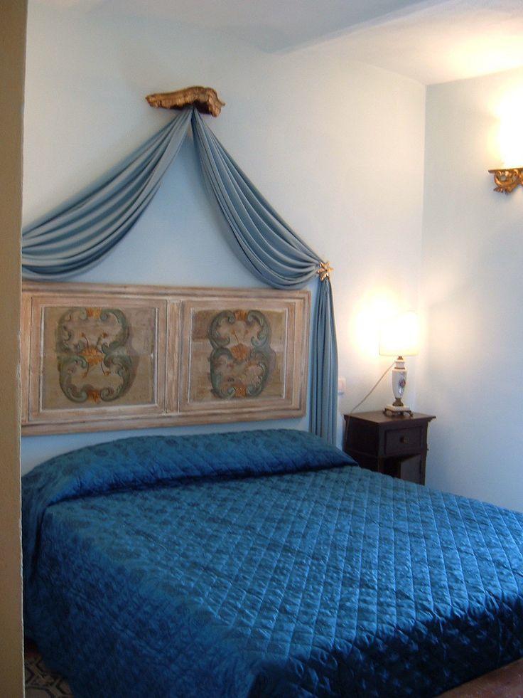 #home #interiors #interiordesign #design #bedroom #countryside #natural #cool #elegant #bed #homedecor #lifestyle  ANTICA FILANDA : Camera da letto in stile rustico di arch. Fabrizio Di Sangro