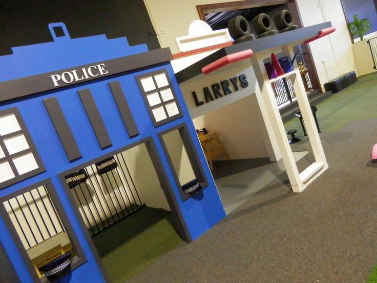 'Dibble Common' at Imagine That Playhouse - Police Station and Larry's Workshop