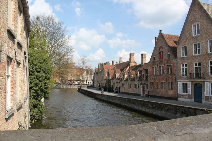 Brugge canals are very beautiful :)