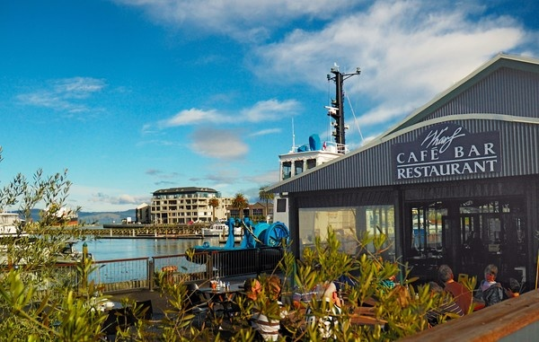 The Wharf Cafe and Bar Gisborne  www.wharfbar.co.nz