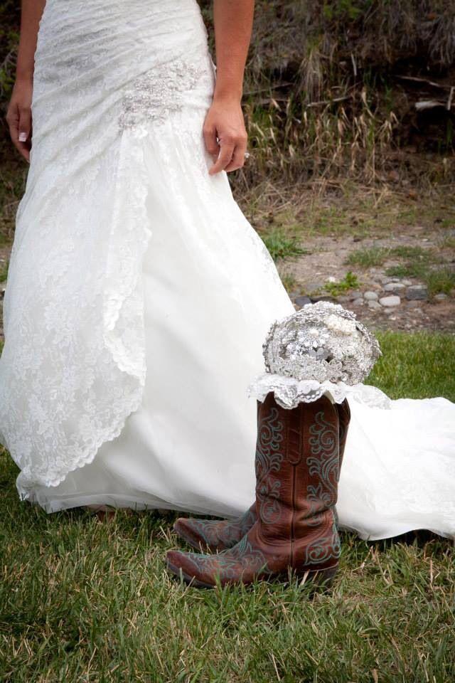 wyoming wedding rustic wedding cowboy boots bride brooch bouquet