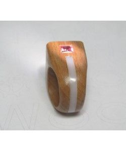 http://www.wood-of.com/it/ Anello in legno con Pietre Naturali e Idrotermali
