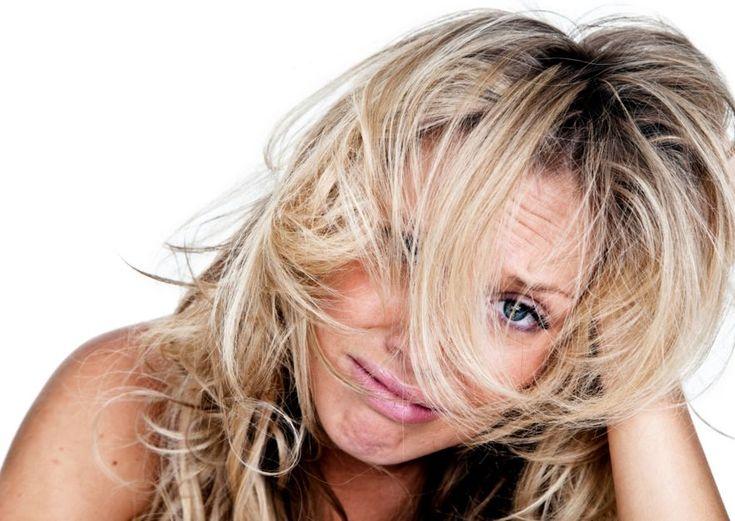 Sprawdź, czy popełniasz błędy w pielęgnacji włosów. Błędy w pielęgnacji włosów? Każdy jakieś popełnia, dlatego nie martwcie się wynikiem testu. W kolejnym wpisie zajmę się omówieniem każdego pytania po kolei i wytłumaczeniem, dlaczego uważam dany punkt za prawidłowy lub nieprawidłowy. TUTAJ możesz sprawdzić, jakie są, moim zdaniem, najlepsze odpowiedzi na pytania. Nie martw się wynikiem! ...