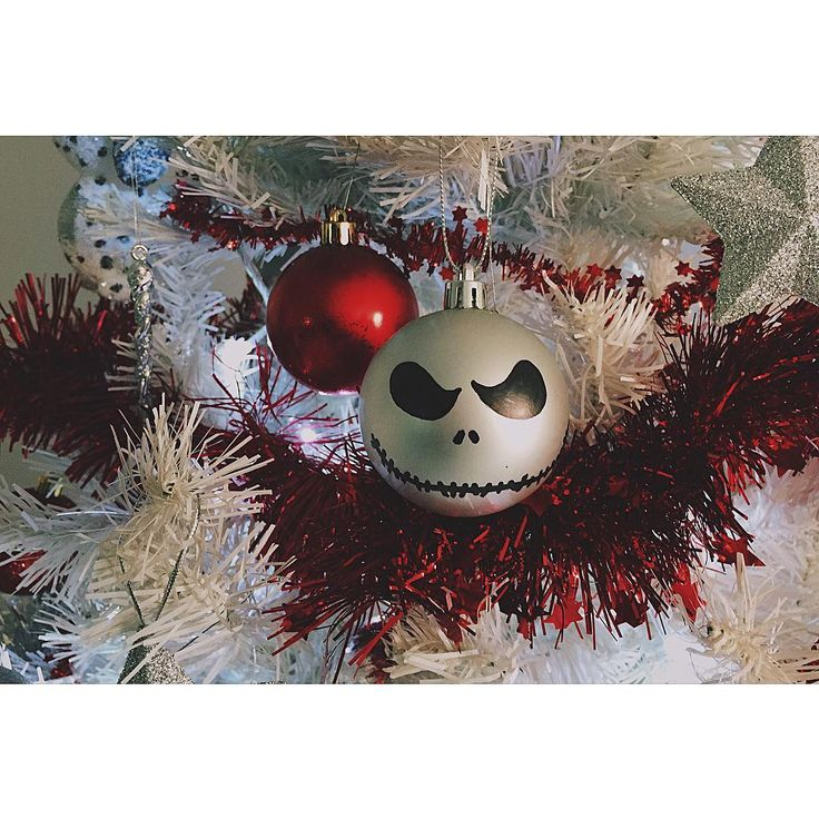 {360-NIGHTMARE BEFORE CHRISTMAS 1993} Forgive me, Mr. Claus. I'm very sorry I've made a terrible mess of your holiday... Mi perdoni Mr. Claus. ho paura di aver fatto un gran pasticcio con la sua festa... -Henry Selick (by Tim Burton)- #vsco #vscoph #VSCOcam #vscogrid #vscoshots #vscomoment #igers #instavsco #ig #instacool #instagood #vscophile #photooftheday #instacyool #instagramer #instadaily #instagood #instagramhub #tbt #follow #instamood #bestoftheday #picoftheday #365project #365movie…