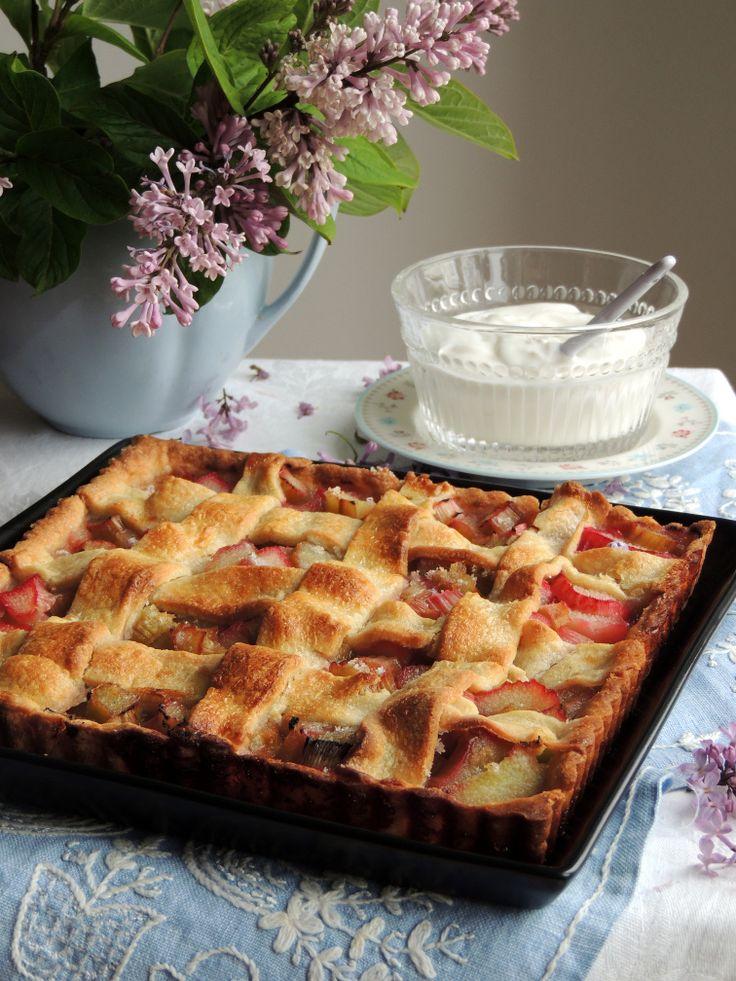 Klassisk rabarbertærte med gitterlåg