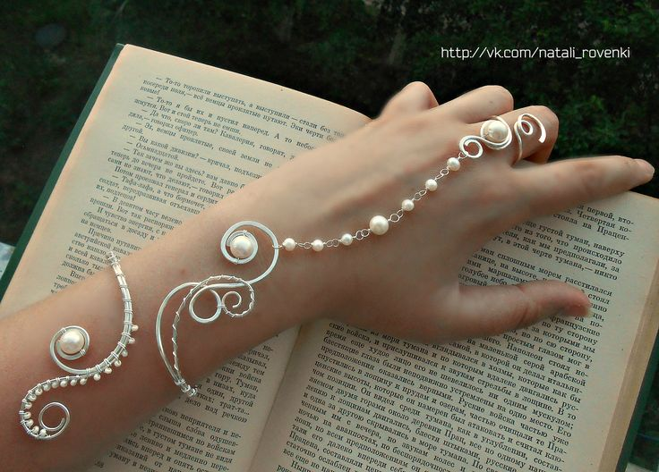 "Unusually delicate slave pearl bracelet ""Knyazhna"". Made by the talented master Natalia http://www.livemaster.ru/nataw61 from our natural white round pearls https://www.etsy.com/shop/PurrrMurrr?ref=hdr_shop_menu&search_query=white+round+pearls  http://www.livemaster.ru/search.php?vr=0&searchtype=1&search=purmur+%D0%BE%D0%BA%D1%80%D1%83%D0%B3%D0%BB%D1%8B%D0%B9+%D0%B1%D0%B5%D0%BB%D1%8B%D0%B9+%D1%80%D0%B5%D1%87%D0%BD%D0%BE%D0%B9+%D0%B6%D0%B5%D0%BC%D1%87%D1%83%D0%B3."