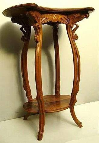 Art Nouveau - Sellette à quatre Pieds - Ombelles