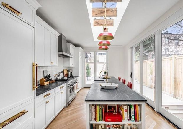 This Celebrity Coupleu0027s $8M Brooklyn Townhouse Masters Old Meets New